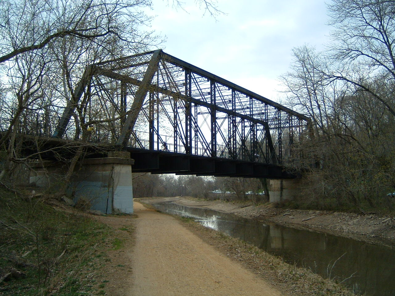 Arizona Avenue Bridge