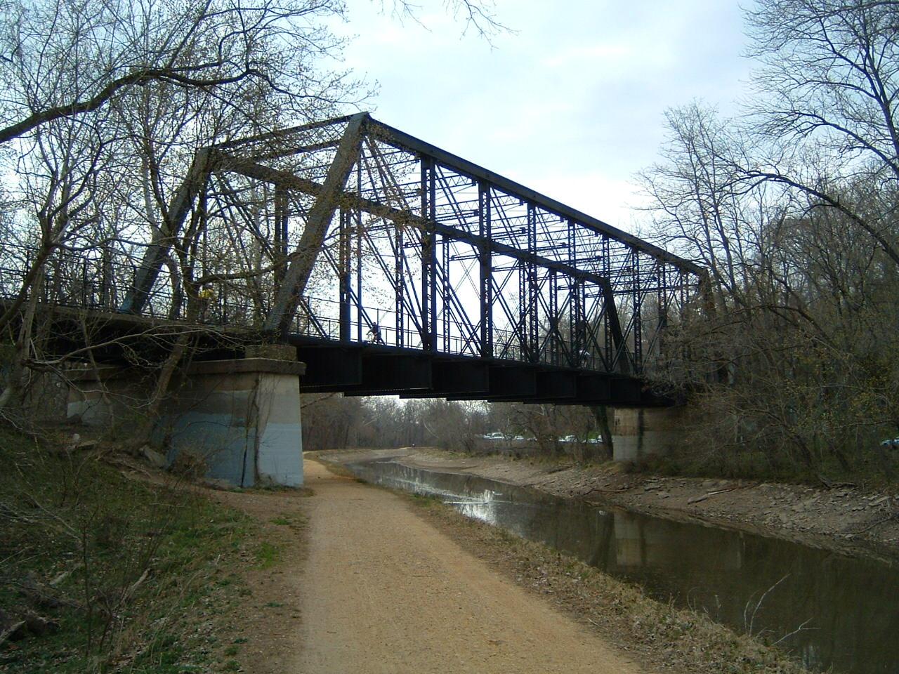 Arizona Avenue Bridge